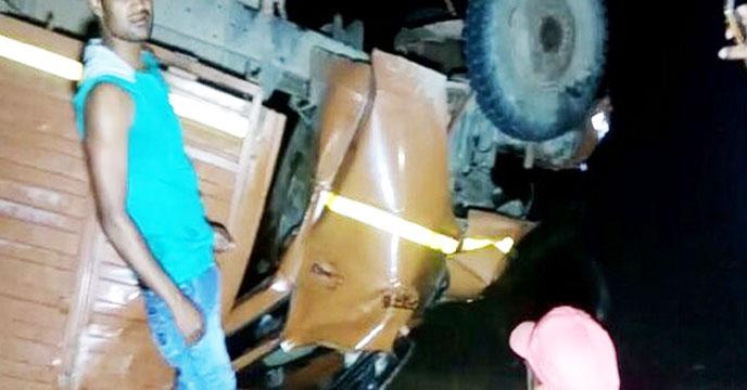 منی ٹرک   ندی میں گرا، 21  افرادہلاک 25 زخمی