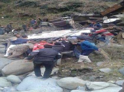 جموں و کشمیر: پونچھ میں بس حادثہ کا شکار، 11افراد کی موت