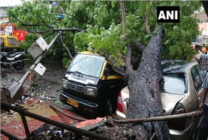 ممبئی اور آس پاس کے علاقوں میں دوسرے دن بھی بھاری بارش جاری