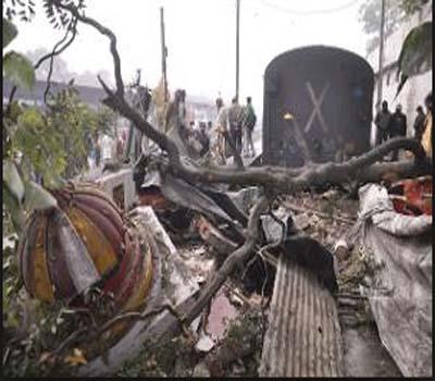 ٹرین حادثہ:برونی میل کا ڈبہ پٹری سے اتر کر مندر میں جا گھسا