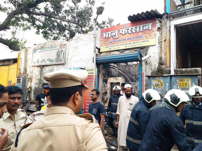 ممبئی: دوکان میں لگی زبردست آگ 12 افراد ہلاک