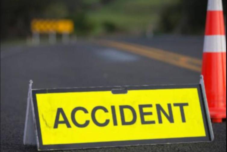 گجرات میں سڑک حادثہ ، پانچ افراد کی موت ، چار زخمی