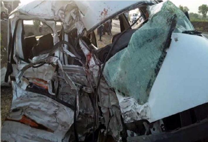 مہاراشٹر میں سڑک حادثے میں 14 افراد جاں بحق