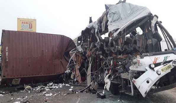 تمل ناڈو میں دردناک سڑک حادثہ، 19 ہلاک، 20 سے زائد زخمی