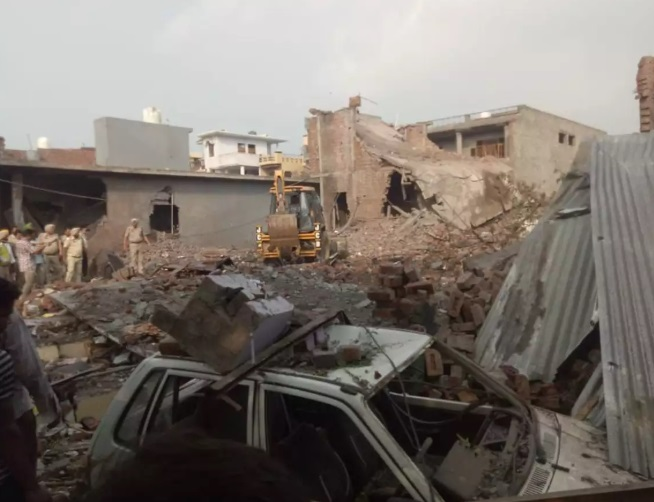 پٹاخہ فیکٹری میں زبردست دھماکہ، کم سے کم 36 افراد ہلاک