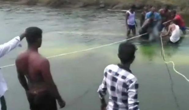 کرناٹک میں نہر میں گری بس' 25 مسافروں کی موت