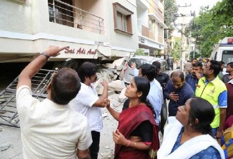 بنگلور میں دو عمارتیں منہدم ہونے سے پانچ لوگوں کی موت