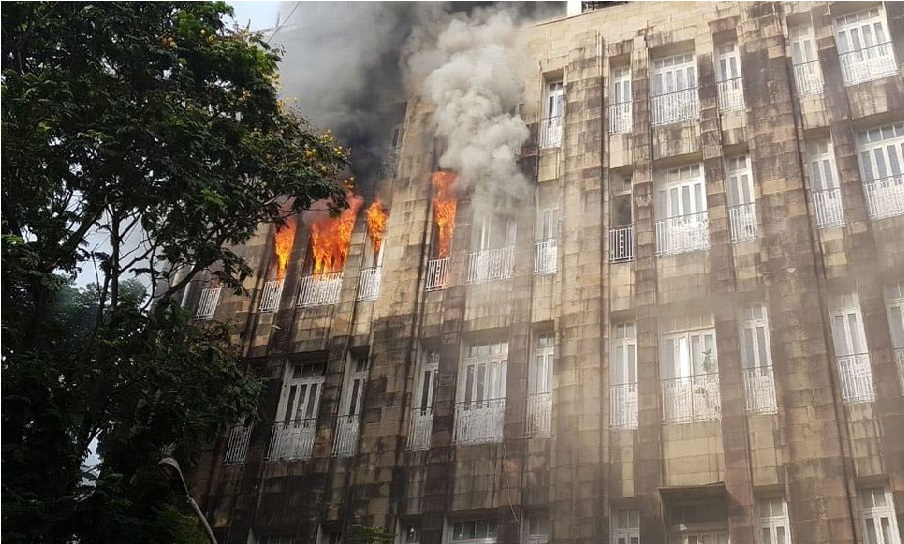ممبئی: انکم ٹیکس دفتر میں لگی آگ، للت مودی- نیرو مودی سے متعلق دستاویزات بھی ہیں