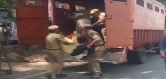 حیدرآباد میں اے بی وی پی کا دھرنا