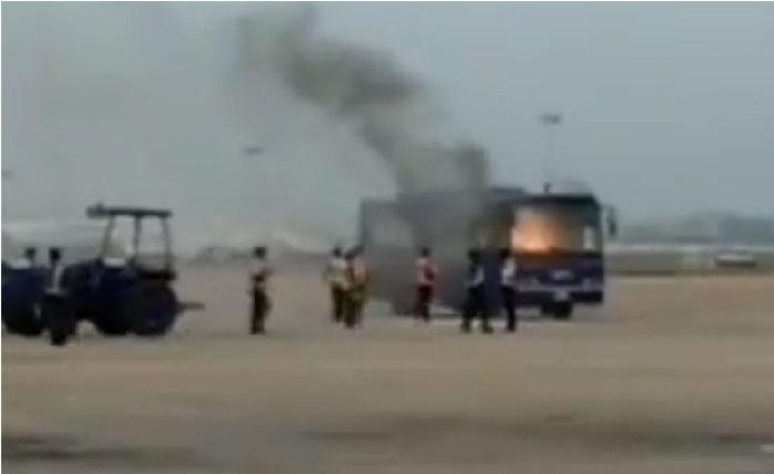چنئی ہوائی اڈے میں انڈگو کی مسافر بس میں لگی آگ