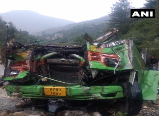ہماچل پردیش: بس کھائی میں گری، 25 لوگوں کی موت، 35 زخمی