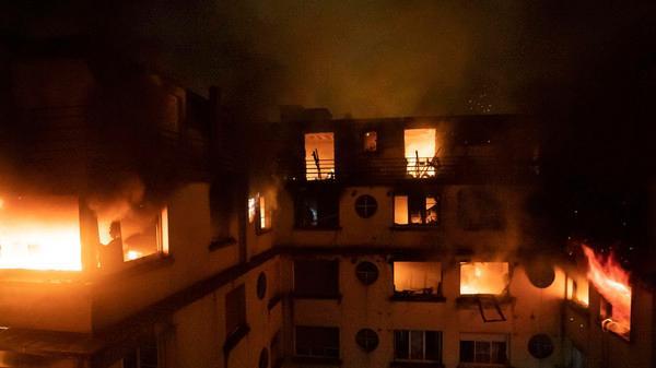 پیرس : اپارٹمنٹ عمارت میں آتش زدگی ، 8 افراد ہلاک