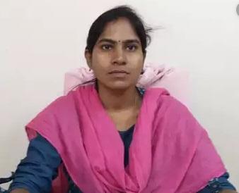 تلنگانہ میں خاتون تحصیلدار کو دفتر میں ایک شخص نے زندہ جلادیا, خود بھی آ گ لگالی