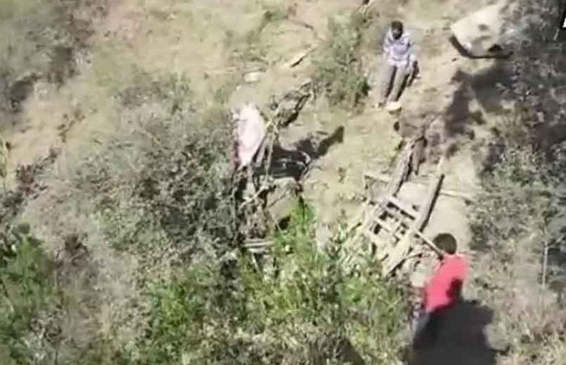 جموں - سرینگر ہائی وے پر منی بس گہری کھائی میں گری، 15 لوگوں کی موت