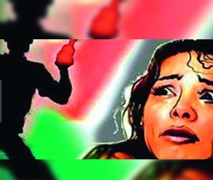 خاتون کی عصمت دری کی کوشش اور تیزاب بھی پھینکا