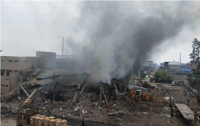 دہلی کے فرنیچر بازارلگی آگ، میٹرو سرویس متاثر