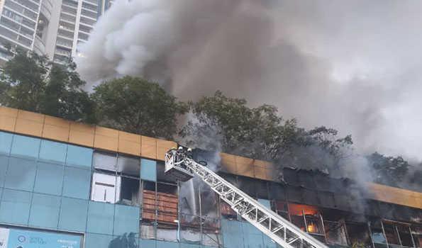 ممبئی کے شاپنگ مال میں آگ، کروڑوں کی مالیت کا نقصان