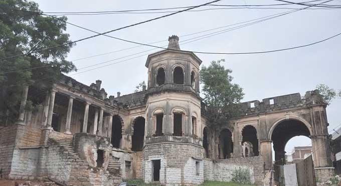 حیدرآباد: محبوب مینشن کا حصہ بارش کے باعث گرگیا