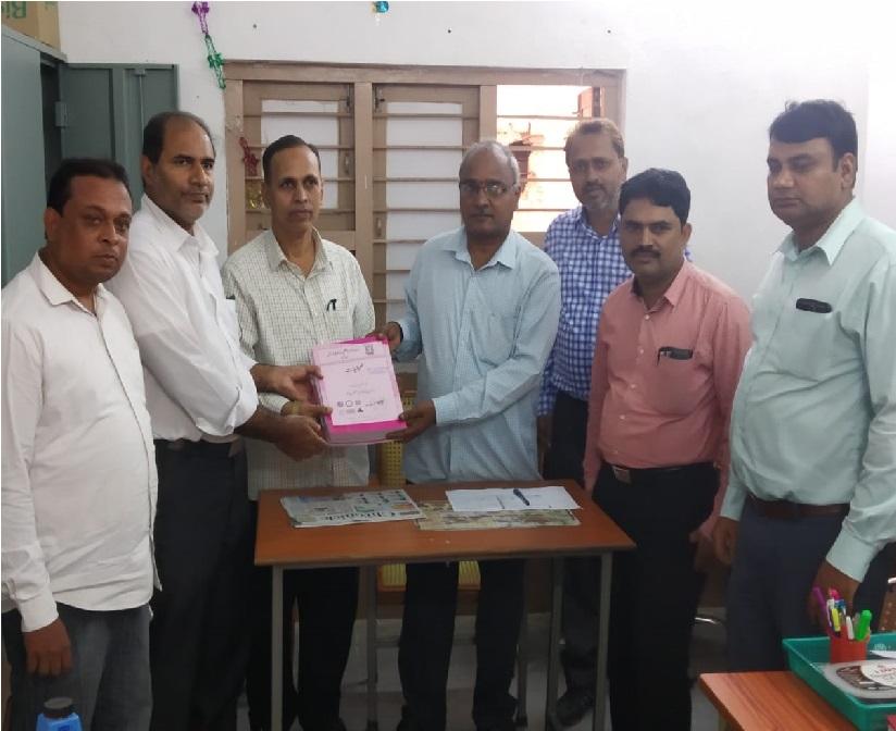مانو المونی اسوسی ایشن کی طرف سے اردو گورنمنٹ کالجس میں نصابی کتابوں کی تقسیم