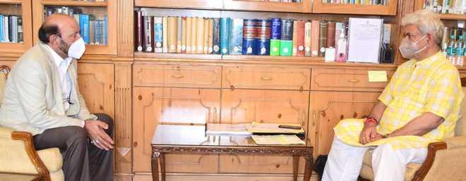 پروفیسر عین الحسن کی لفٹننٹ گورنر جموں وکشمیر سے ملاقات