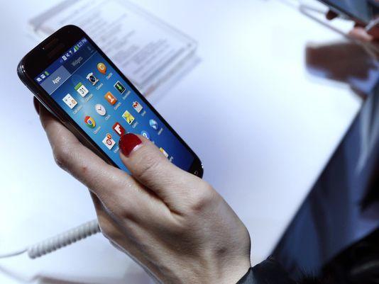 موبائل فون پر خطرناک جراثیم پائے جاتے ہیں، تحقیق