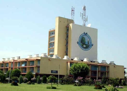 کشمیر یونیورسٹی کے تین سالہ یو جی کورسز طوالت کا شکار، طلبا کے دو قیمتی تعلیمی سال ضائع ہورہے ہیں