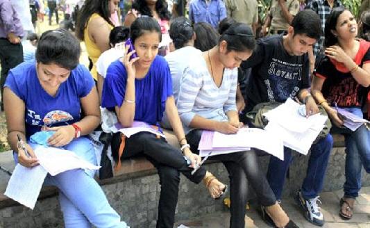 تمل ناڈو 12 ویں کلاس کے نتائج کا اعلان: لڑکیوں نے پھر ماری بازی