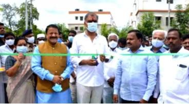 تلنگانہ کے وزیر فائنانس نے ڈبل بیڈروم مکانات کا افتتاح کیا