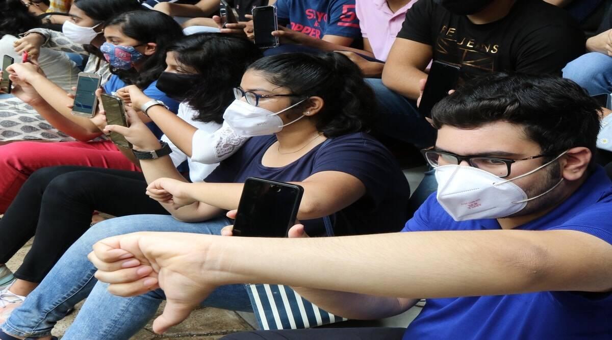 ہائر سیکنڈری کے نتائج کے بعد طلبا کے احتجاج سے حکومت پریشان۔ضلع کلکٹروں کو فوری کارروائی کرنے کی ہدایت