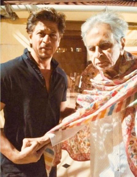 دلیپ کمار سے ملنے پہنچے شاہ رخ خان
