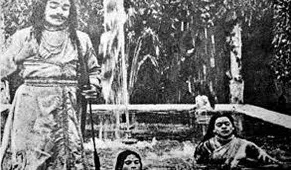 پہلی ہندی فلم 'راجا ہریش چندر' تین مئی 1913 میں ریلیز ہوئی تھی