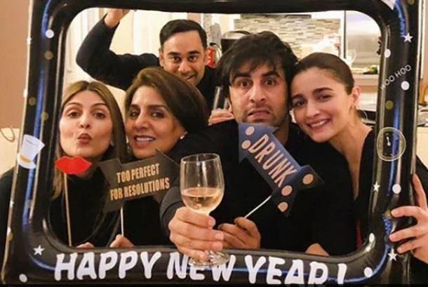 عالیہ بھٹ اور رنبیر کپور کے خاندان کے ساتھ منایا نئے سال کا جشن
