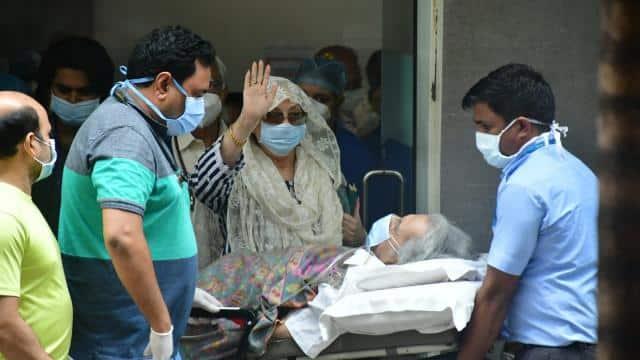 دلیپ کمار صحتیاب ہونے کے بعد اسپتال سے ڈسچارج