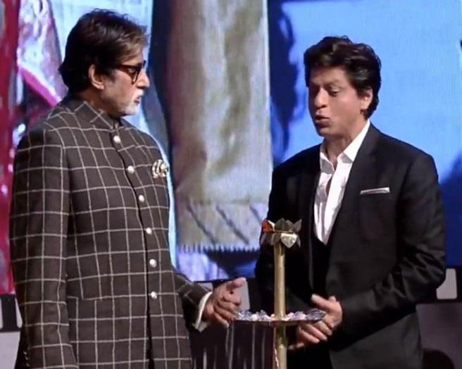 کولکتہ انٹرنیشنل فلم فیسٹیول کا آغاز، امیتابھ اور شاہ رخ سمیت ان شخصیات نے کی شرکت