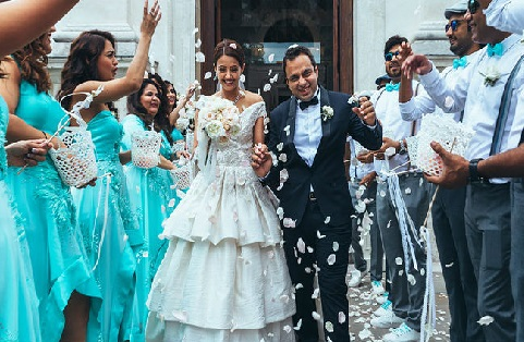 بالی ووڈ اداکارہ سروین چاولہ بھی شادی کے بندھن میں بندھ گئیں