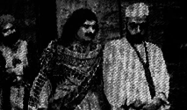 گاندھی ٹوپی کی وجہ سے پہلی فلم 'وِدُر' پر پابندی لگائی گئی تھی !