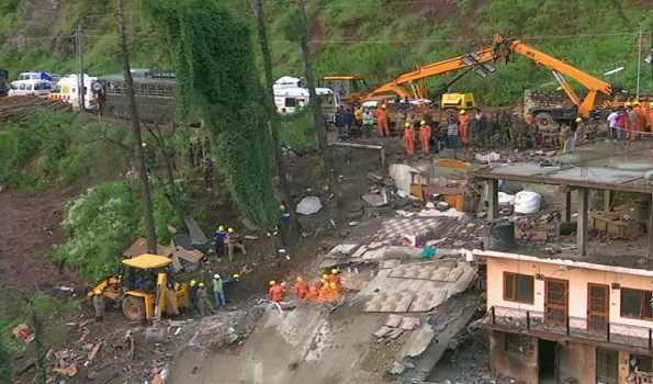 عمارت منہدم ہونے کا واقعہ: مرنے والوں کی تعداد 12 ہوئی، عدالتی جانچ کی ہدایت