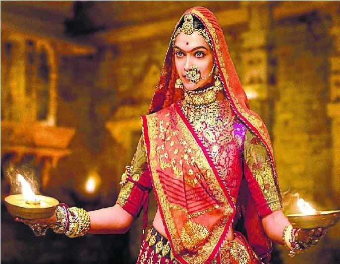سپریم کورٹ سے فلم پدماوت کو ملی ہری جھنڈی، 4 ریاستوں کی پابندی مسترد
