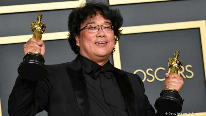 پیراسائٹ: پہلی غیر انگلش ایشیائی فلم بہترین فلم سمیت چارزمروں میں آسکر ایوارڈسے سرفراز