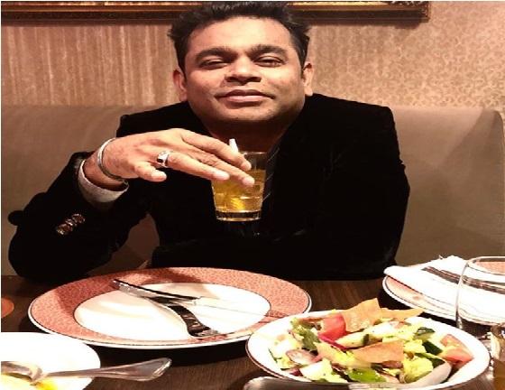 اے آر رحمان  نے کین Cannes میں کیا افطار