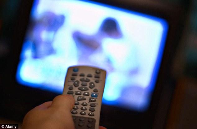رات دیر تک ٹی وی دیکھنا بچوں میں نیند کی کمی کا باعث بن سکتا ہے