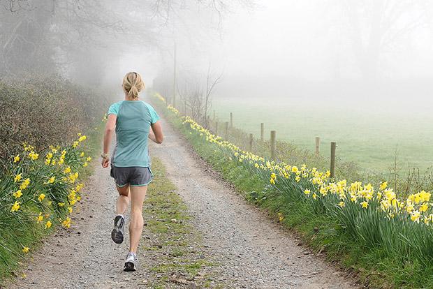 خواتین باقاعدہ ورزش کر کے بریسٹ کینسر سے بچ سکتی ہیں: تحقیق