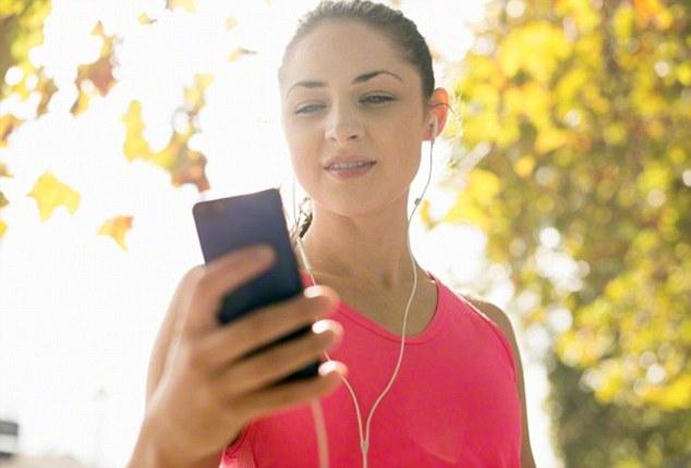 ایئر فونز کے استعمال سے قوت سماعت سے محرومی کا خطرہ