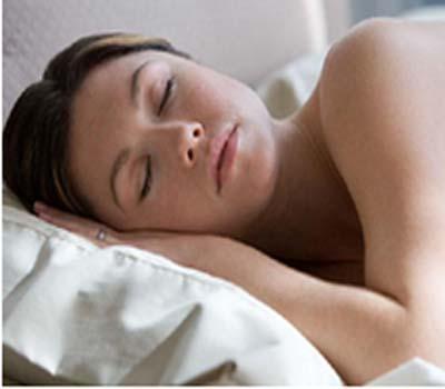 ناکافی نیند بن سکتی ہے دل کی بیماری کی وجہ