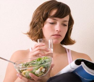 صرف پیاس لگنے پر پانی پینا کیوں ہے مضر؟