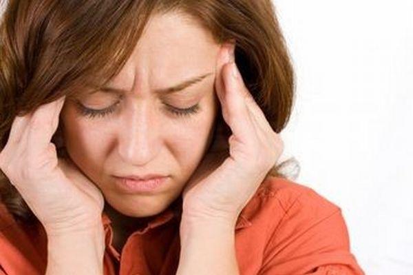 سرکے درد سے کیسے چھٹکارا پا ئے:چندطریقے