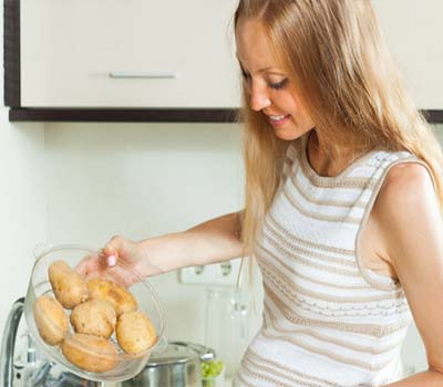 آلو کھانا صحت کیلئے کتنا ہے فائدے مند
