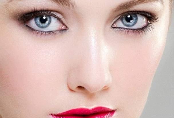 مفید غذائیں روشن آنکھوں کیلئے