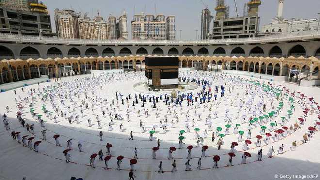 سعودی عرب نے 250,000 گھریلو زائرین کو عمرہ کرنے کی اجازت دی