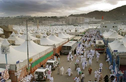 حج 2018 : وقوف عرفہ اور مزدلفہ میں شب گزاری کے بعد اب عازمین حج کے منیٰ پہنچنے کا سلسلہ جاری